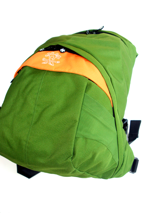 crumpler-sinking-barge-camera-bag