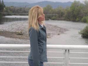 Nau_front_river2
