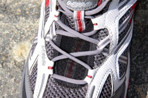 Upper mesh allows good ventilation. Lacing is snug and no-nonesense.