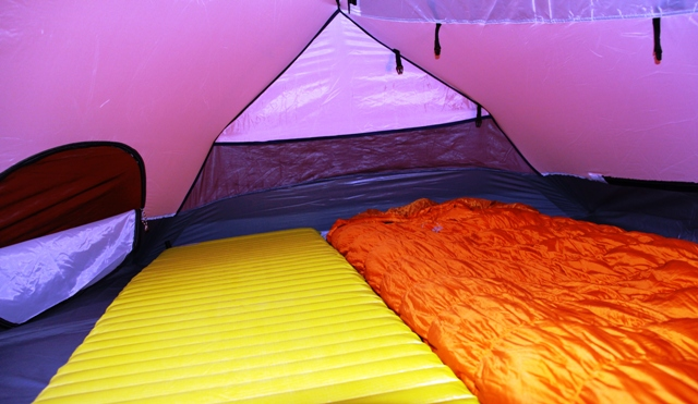 Kelty Foxhole 3 interior with Therm-A-Rest NeoAire mattress on right, and Sierra Design Arrow Rock 30 down sleeping bag.